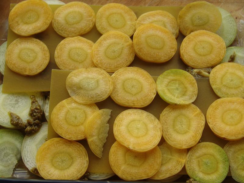 Groene linzen lasagne met gele paprikasaus