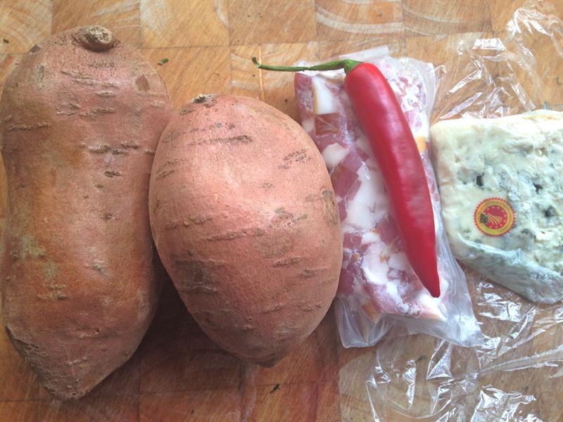 3 bonen schotel met zoete aardappel puree