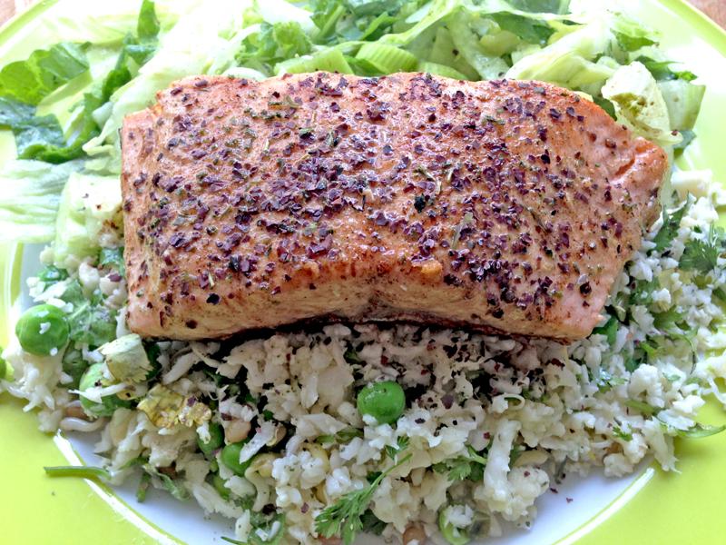 Een geraspte bloemkool salade is makkelijk en snel