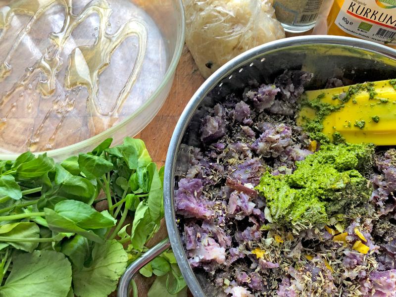 Kurkuma zuurkool met zoete aardappelpuree