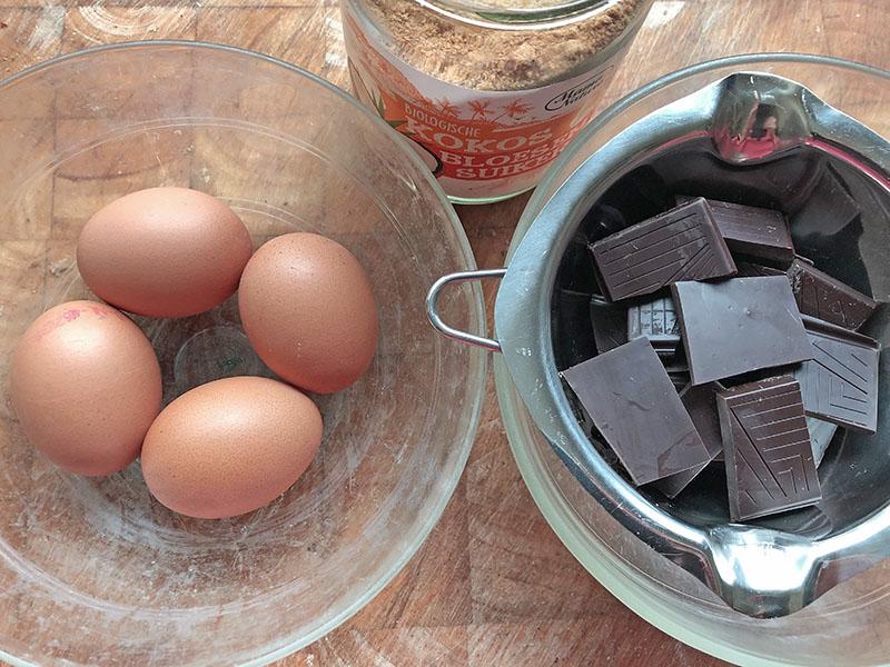 Feest toetje met chocolade mousse