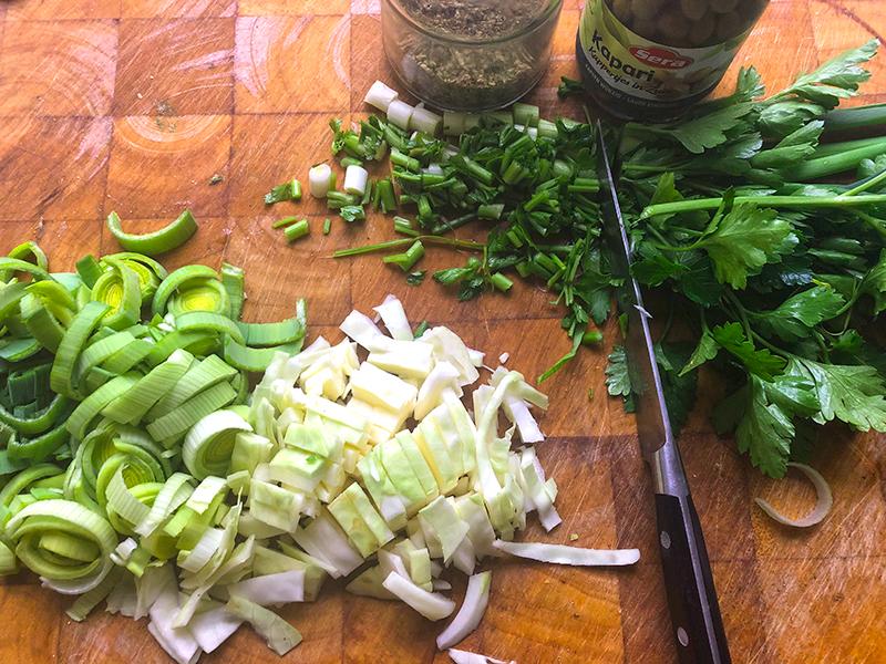 Gestoomde aardappel, groenten met kipgehakt