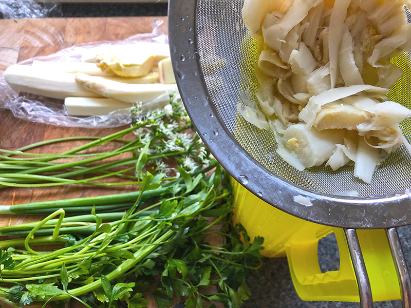 Aspergers risotto met kruiden en zalm