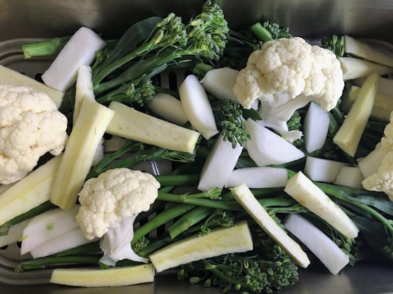 Een kruidenmix als dressing voor rauwe/gestoomde groenten